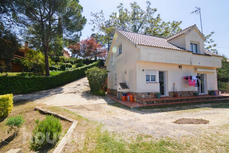 Casas en les fonts de terrassa affordable casa en les cami de can amat with casas en les fonts - Finques can font les franqueses ...