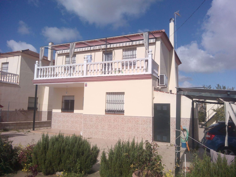 Chalet en mairena del aljarafe best chalet en venta for Alquiler de casas en simon verde sevilla