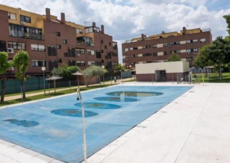 Piscinas en alcala de henares simple cubierta de piscina for Piscina municipal alcala de henares