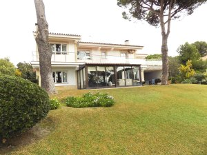 property for sale in c diz province houses and flats from 1 600 000 rh idealista com