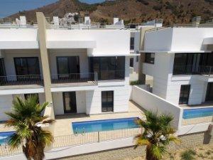 Immobilien in Nerja, Málaga, Spanien: Häuser und Wohnungen kaufen ...