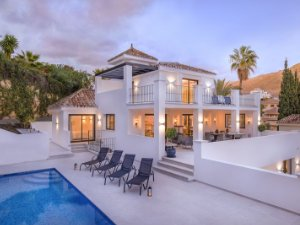 Property for sale in Los Naranjos, Marbella, Spain: houses and flats