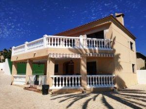 Casas Y Pisos Con Terraza En Alquiler En Barriadas De