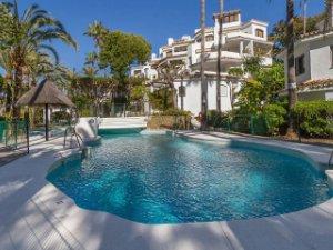 15 properties for sale urbanizaci n golden beach marbella spain rh idealista com