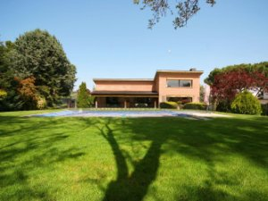 Long-term rentals in Fuente del Fresno, Madrid, Spain: houses and
