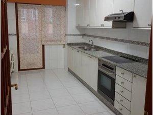 Casas Y Pisos Con Garaje En Alquiler En Casablanca Calvario Vigo