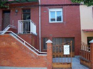 Casas O Chalets En El Ejido Sta Ana Leon Idealista