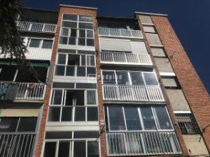 Pisos y casas en venta calle cuart de poblet, madrid — idealista