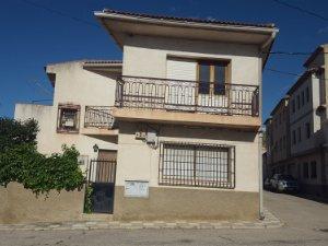 Casas Y Pisos De 3 Habitaciones En Yeste Albacete Idealista