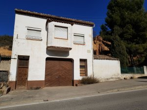 3bb817203dc75 Casas y pisos garaje en Valderrobres