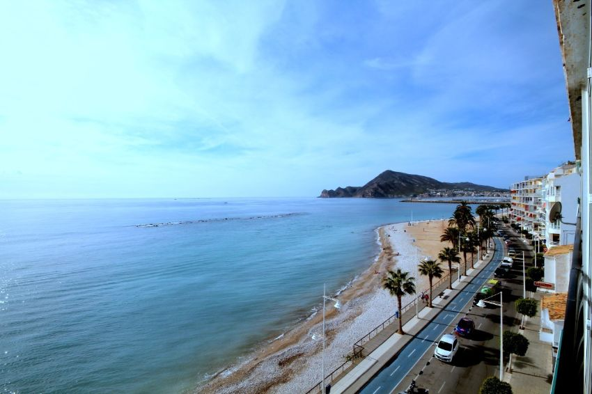 FANTASTIC 1ST LINE APARTMENT WITH 100% SEAVIEWS !!!!